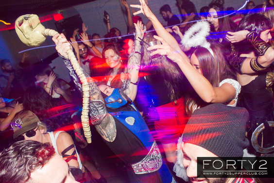 2014_10_31-forty2_supperclub-024