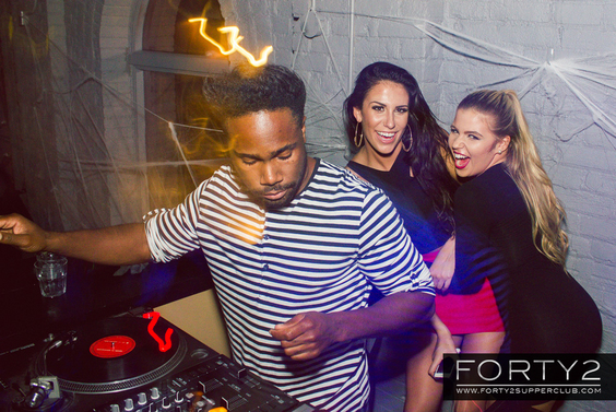 2014_10_31-forty2_supperclub-042