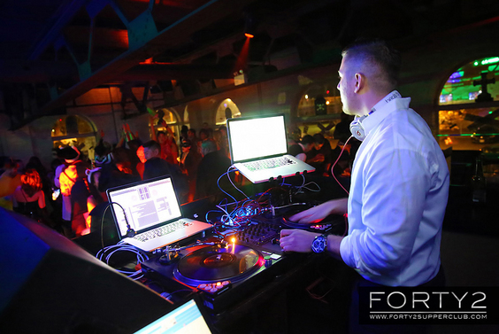 2014_11_01-forty2_supperclub-026