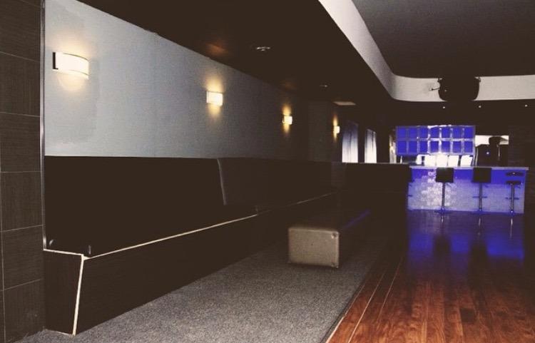 Mature Lounge Toronto 91