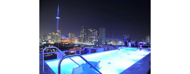 Thompson Rooftop Lounge & Pool
